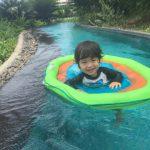 ○ 流れるプールに飛び込む